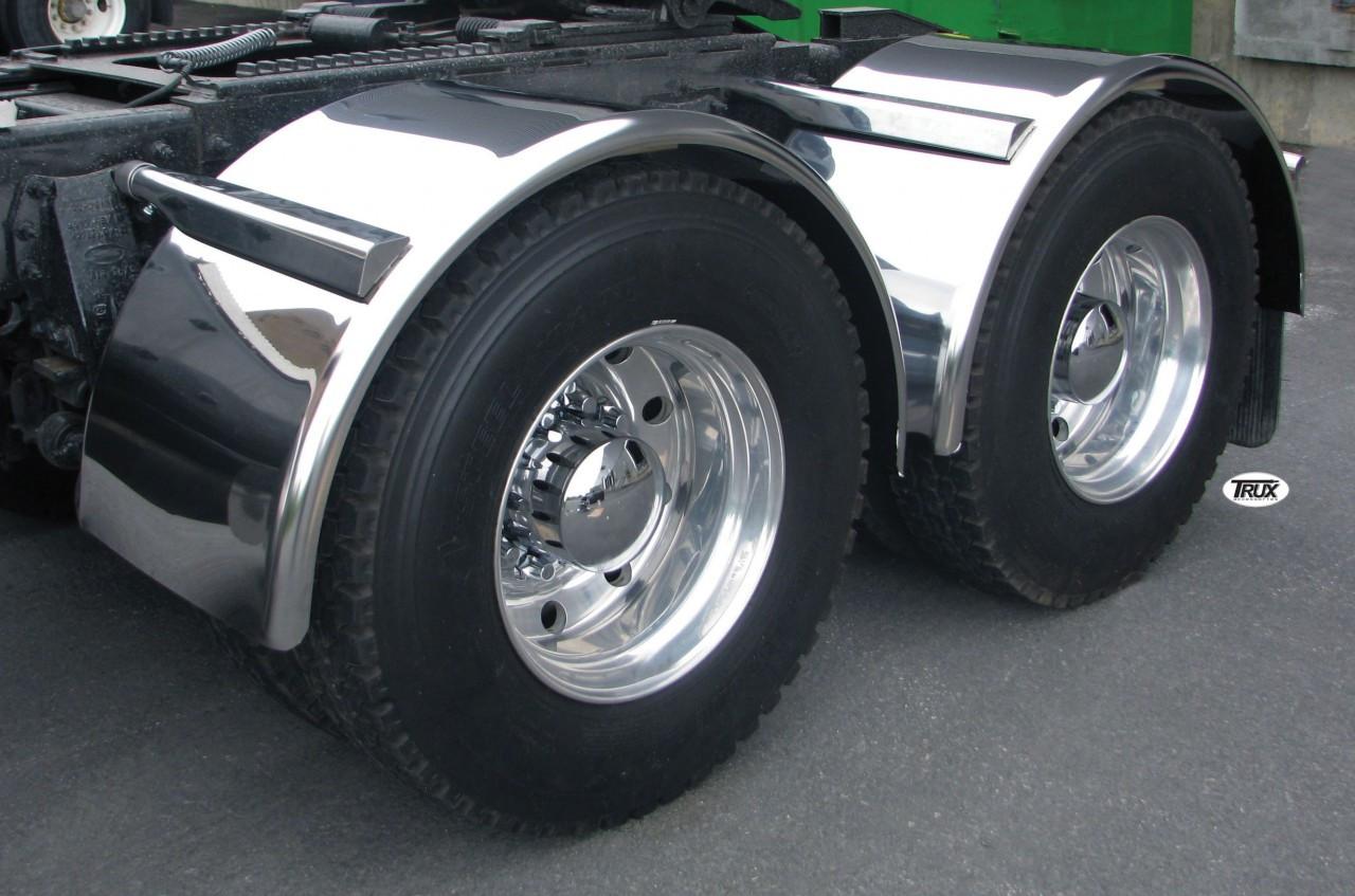 "80"" Semi Truck Single Axle Smooth Stainless Steel Fenders On Truck"