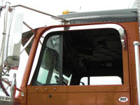 Freightliner Classic & FLD 120 112 Door Window Shade