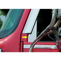International 9900 I Model Cab Front Of Side Window Triangular Trim On Truck