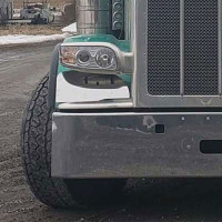 Peterbilt 388 389 Fender Guard On Truck Close Up