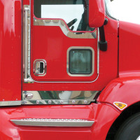 Kenworth T660 Cab Panels With Bulls-Eye LEDs