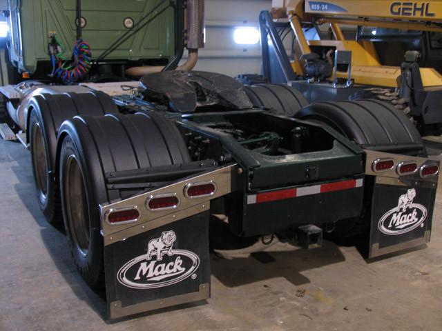 Minimizer Black 2480 Texas Double Deep Draw Fenders