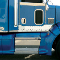 Peterbilt 386 Cab Panels With Bulls-Eye LEDs For Trucks With Fairings