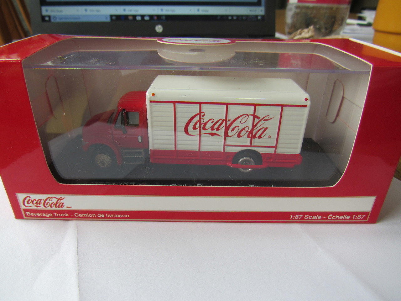 Motor City Classics - HO Scale 1947 Bottle Delivery Truck
