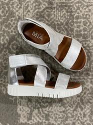 Mia Deisy Minka White Metallic Platform Sandal