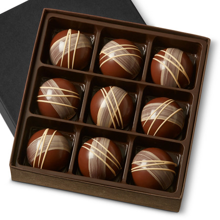 MACADAMIA GARDEN GANACHE Nine Pieces in gift box