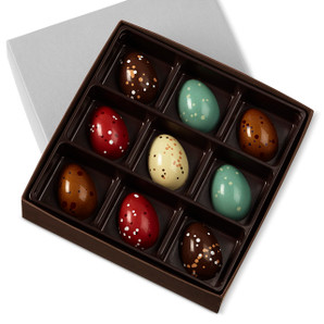 Experience five irresistible flavors: two Mint, two Strawberries & Cream, two Malted Milk Chocolate, two Peanut Butter & Cassis Pâté de Fruit and one Dark Chocolate Cognac.