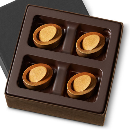 These gems take good old-fashioned butterscotch to a whole new dimension. A smooth, creamy butterscotch filling surrounded by a custom blend of premium chocolate.