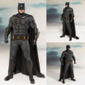 Kotobukiya - DC Comic's ArtFX+ Statues - Justice League Movie - 1/10 Scale Batman - Statue