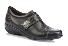 Remonte R9813-01 Black Combo Casual This practical and stylish Remonte R9813 Black style is great for this or any season and can be worn for a smart or casual outing. The unique smooth leather uppers with its trendy looks, is complemented by a velcro closure and a removable footbed.