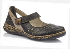 Rieker 46378-00 Women's Black Casual. The Rieker 46378-00 is a versatile shoe, perfect for every occasion. Stride with confidence, in these gorgeous shoes by RIEKER. The slip on design enhances the comfort of these shoes to go along with the elegant design.