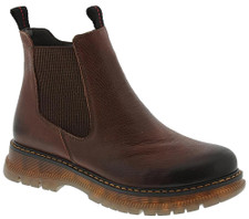 The Josef Seibel Paloma 02 leather boot features elastic side details, making it convenient to slip on and off.