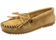 Minnetonka Women's Kilty Suede Moccasin - Taupe/Size 6