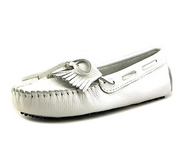 Minnetonka Women's Kilty Driving Moccasin - White/Size 7.5