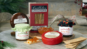 Vermont Cheese Lover Gift Box, with Vermont Jam and Castleton Crackers.