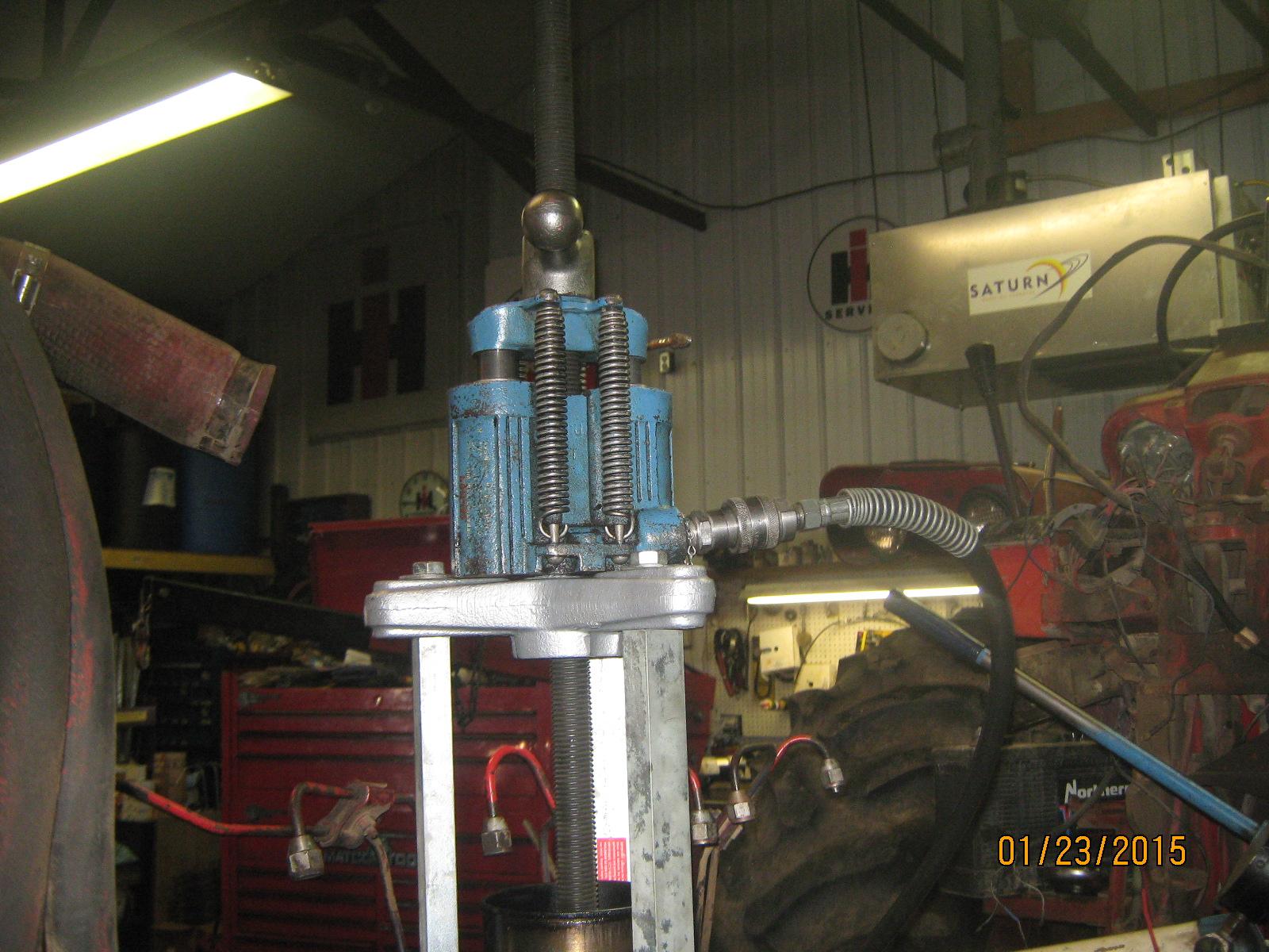 Dry Sleeves IH 361 & 407 Engines - Redrunrite