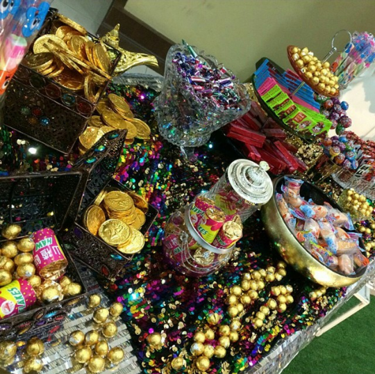 gold-candy-buffet-1.png