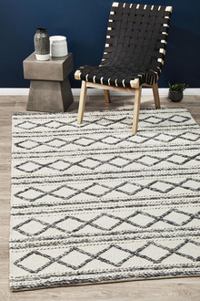 Studio 326 White Wool And Viscose Rug