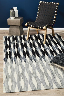 Studio 323 Black Flat Weave Wool Rug