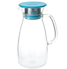 MIST Ice Tea Jug is designed for a simple way of making the cold-steeping ice tea. The double ring silicone gasket ensures lid from falling off when serving.The 0.5mm hole stainless-steel filter catches tea leaves and gives you smooth pouring. The filter and silicone gasket are easy to take apart for cleaning. True borosilicate hand blown glass can take hot water to ice cold water.