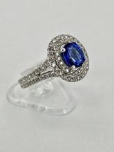 14 karat 1.39ct  Oval Sapphire Ring