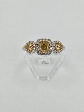 14 karat Yellow Diamonds Ring