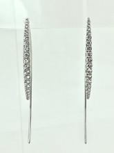 18 Karat White Gold 0.72ctw Thread Thru Diamond Earrings