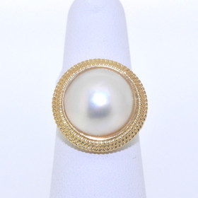 14K Yellow Gold Salt Water Mobi Pearl Ring 12000931
