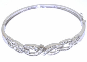 14K White Gold Diamond Bangle 21000225