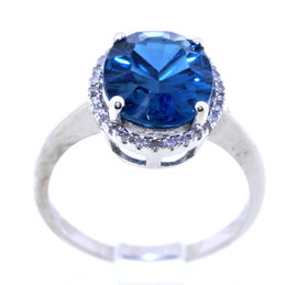 14K White Gold 4.0ctw Blue Topaz and Diamond Ring 12002223