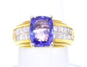18K Yellow Gold Tanzanite/Diamond Ring 12000037