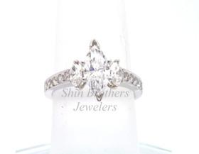 18K White Gold 1.02ct Diamond Engagement Ring