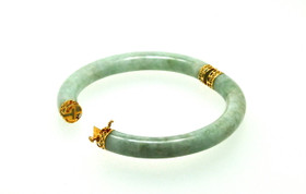 14K Yellow Gold Jade Oval Bangle 23000185