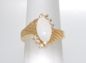 12000069 14K Yellow Gold Opal Ring