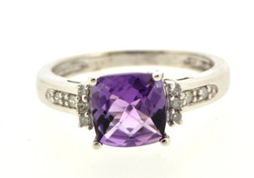19000070 10K White Gold Amethyst/Diamond Ring