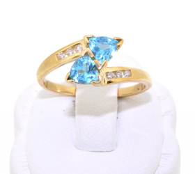 19000074 10K Yellow Gold Sky Blue Topaz/Diamond Ring