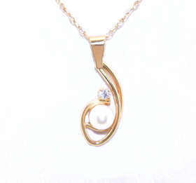 10K Yellow Gold CZ Pearl Charm 59000076