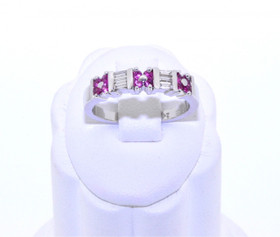 22000454 18K White Gold Diamond/Ruby Band