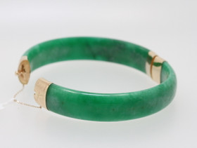 "14K Yellow Gold 8"" Flat Green Jade Bangle 22000485"