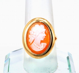 12002013 14K Yellow Gold Oval Cameo Ring