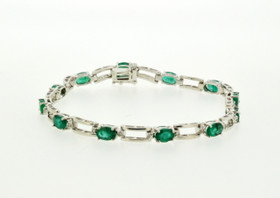 22000531 14K White Gold Diamond/Emerald Bracelet