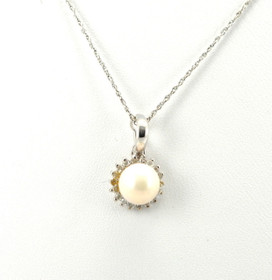 52001437 14K White Gold Diamond and Pearl Charm