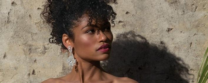 earrings-envogue-on-model-80-92.jpg