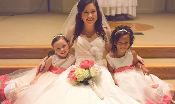 flower-girls-wedding-ht-peg-lauren-and-flowergirls-further-away.jpg