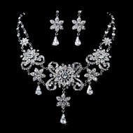 Dramatic Vintage Look Crystal Wedding Jewelry Set