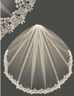 Daisy Lace Fingertip Wedding Veil