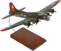 B-17G Fortress Olive 1/72 Mahogany Display Model