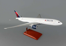 DELTA 777-200 1/100 NEW LIVERY