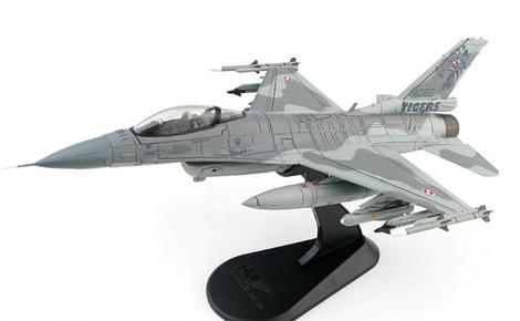1//40 Mastercraft Collection F-16 Falcon Block 60 Model Scale