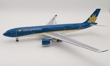 Vietnam Airlines Airbus A330-200 VN-A376 With Stand